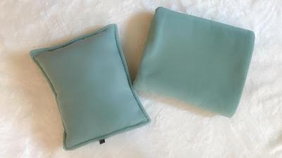 Bộ chăn gối cho dân văn phòng màu xanh ngọc