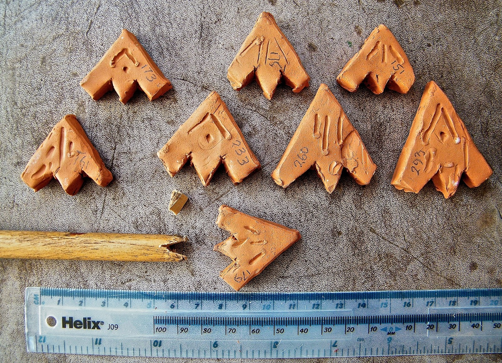 MYCENAEAN FAIENCE / CLAY ARROWHEADS - Part 1