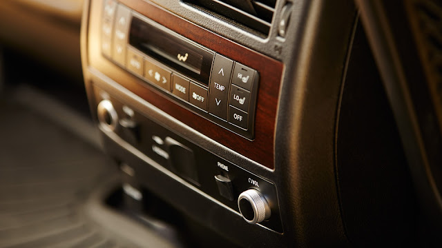 """toyota land cruiser nhap my 16 - Đánh giá Toyota Land Cruiser V8 5.7 lít nhập Mỹ : Chỉ một chữ """"TUYỆT"""" - Muaxegiatot.vn"""