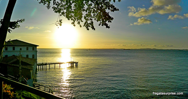 Pôr do sol no Solar do Unhão, em Salvador
