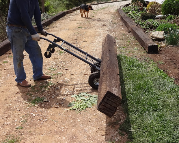Gravel Driveway Edging Ideas Railroad Ties