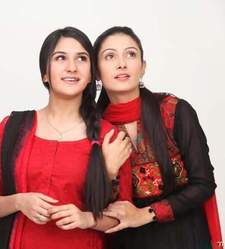 Anoushay Abbasi & Ayeza Khan