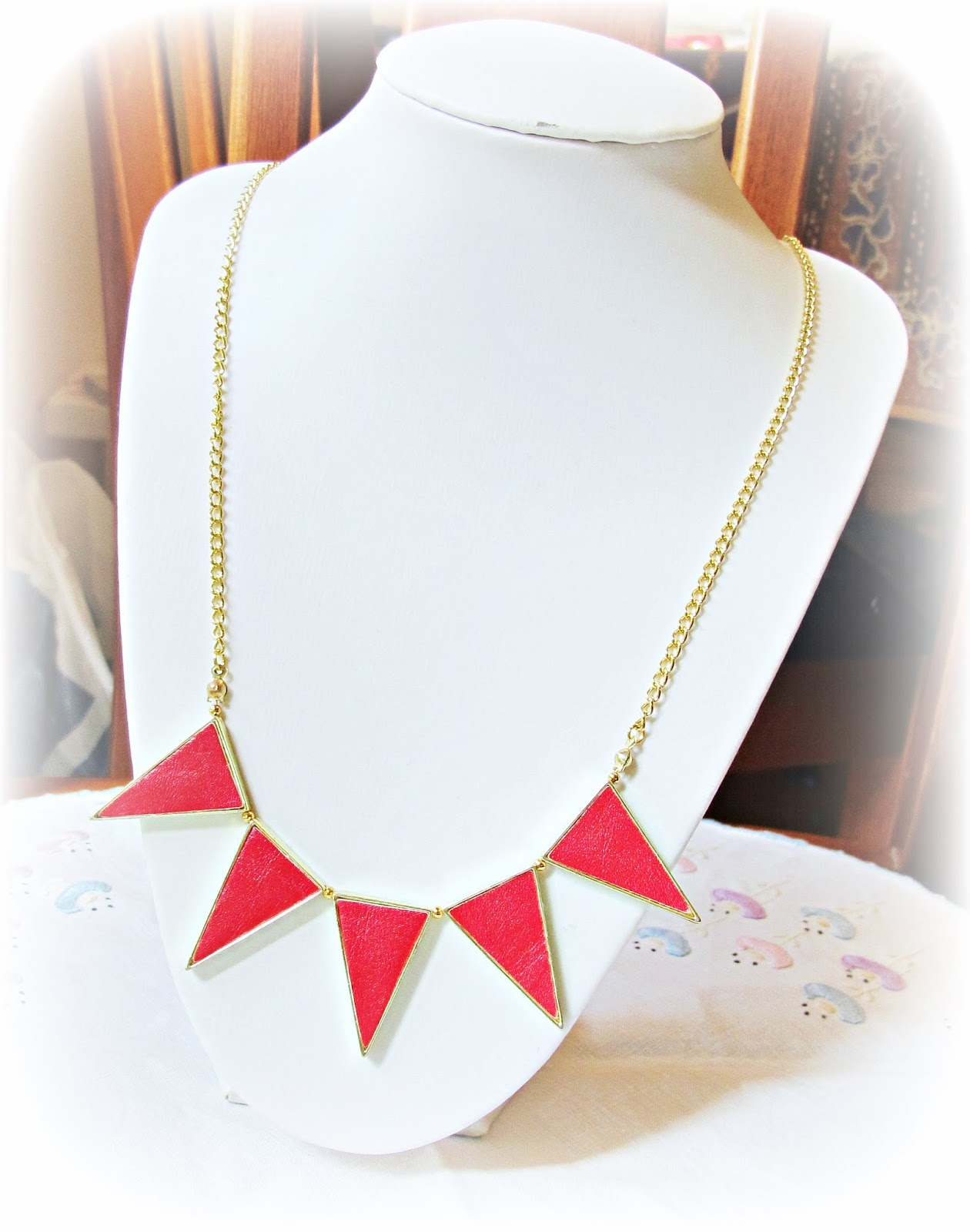 image diy tutorial necklace refashon bunting red gold
