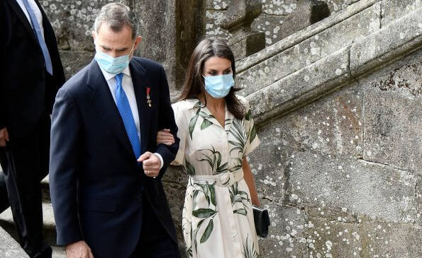 Queen Letizia wore a new printed shirt dress from Pedro del Hierro, and nude patent leather slingback pumps from Carolina Herrera