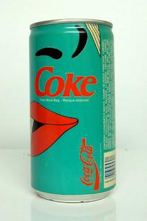 Lata de coca-cola con diseño retro.