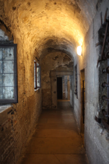 picture of the hallway in the prisons of Venice