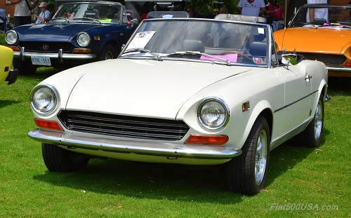 Fiat 124 Spiders at Fiat FreakOut