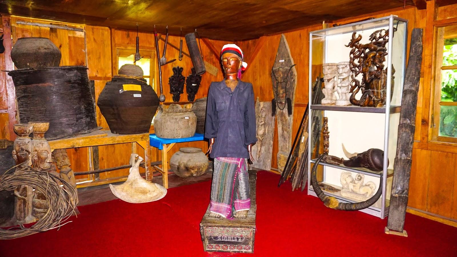 Koleksi-Museum-Batak (1).jpg