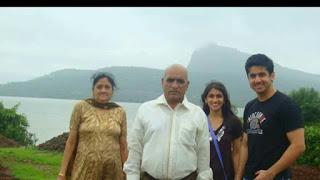 Mumbiker Nikhil family
