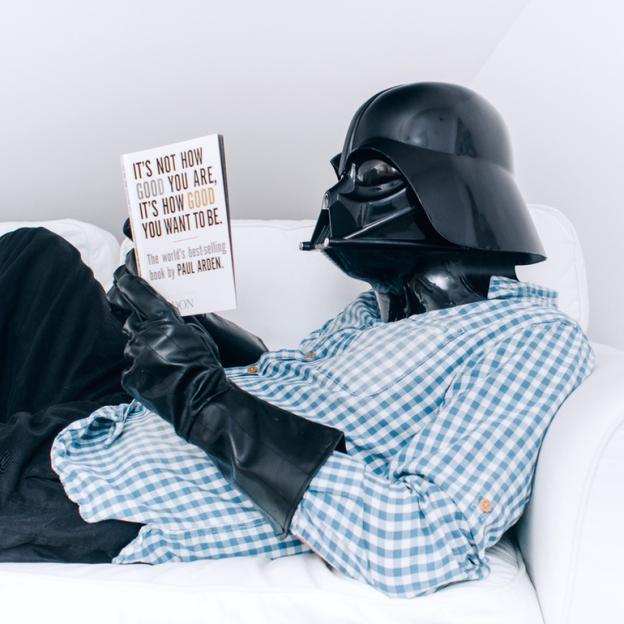 darth vader em casa - Você já imaginou como seria o cotidiano de Darth Vader