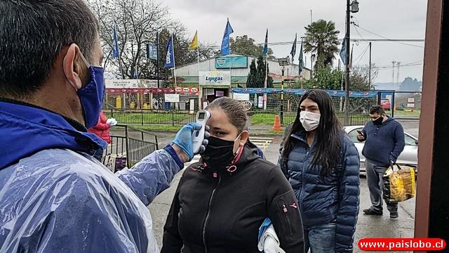 Osorno: The Mission College entrega alimentos bajo estrictas medidas sanitarias