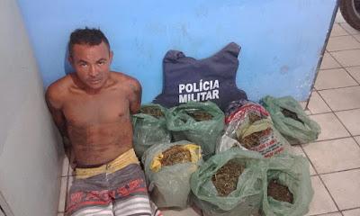 Em Paulino Neves Homem é preso com grande quantidade de drogas e arma branca