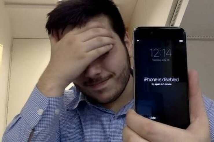 Pria sedih iPhone 6S Miliknya dinonaktifkan karena lupa passcode