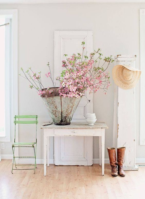 Pink blooming branches in zinc vase on #farmtable #Dreamywhites #Frenchfarmhouse