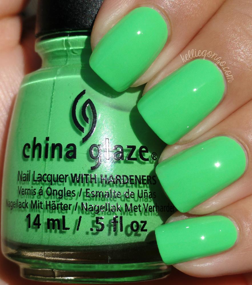 China Glaze - Shore Enuff // kelliegonzo.com