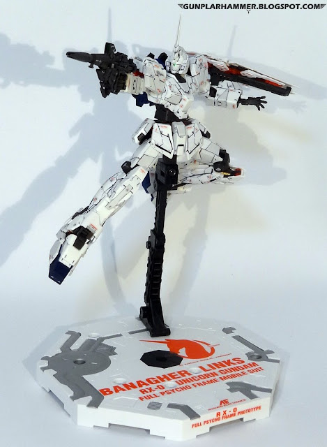 RG 1/144 Unicorn Gundam RX-0 Realgrade no paint Rifle Action base