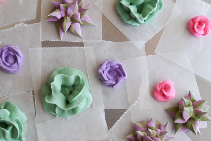 how to make royal icing succulents and roses | bakeat350.net