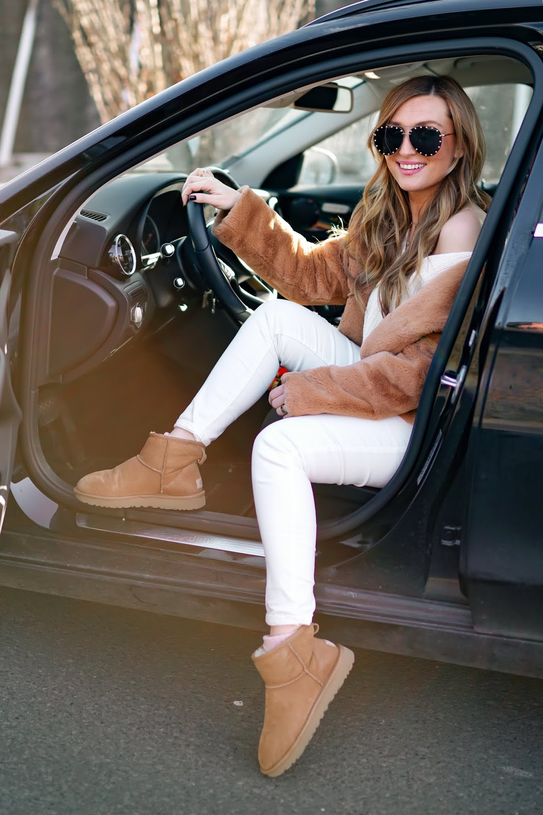 Shein-Mantel-Ugg-boots-braune-ugg-boots-kombinieren-wie-kombiniert-man-einen-teddymantel-Outfitinspiration-Weiße-jeans-kombinieren-outfitinspiration-fashionstylebyjohanna (5)