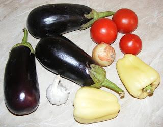 vinete, ardei, rosii, ceapa, usturoi, retete, retete culinare, ingrediente salata de vinete,