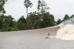 Obyek Wisata Sungai Kampar Indah Banget Sambil Selancaran
