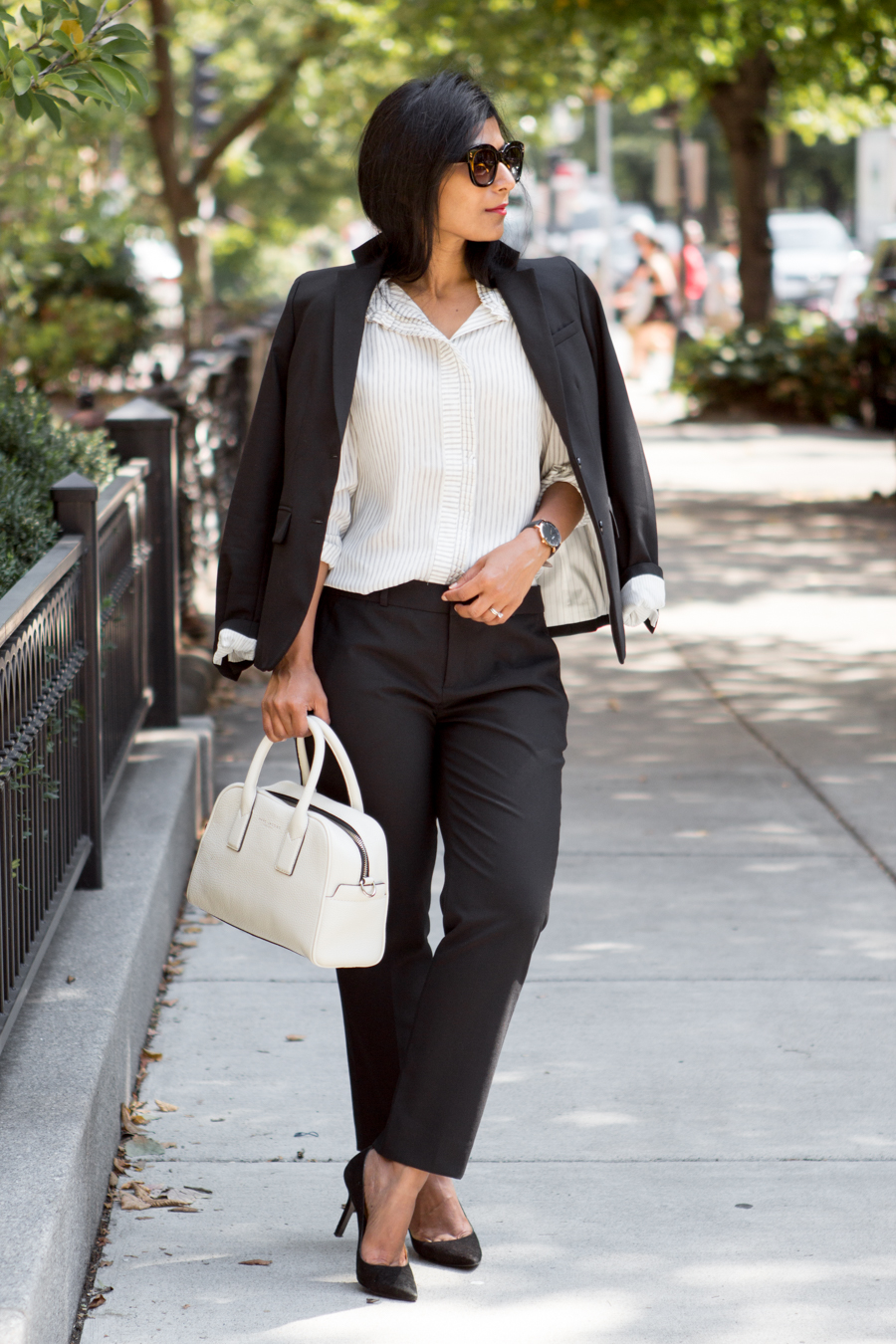 banana republic, work style, petite fashion, versatile, lean wardrobe, classics, BR classics, itsbanana, work life, working woman, professional wardrobe, office style, work style, work chic, corporate fashion, 9 to 5, personal style, elegant, style blogger, black suit, blazer, cropped pants, work outfit, formal business wear