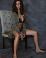 Shibani Dandkar in Bikini for her Instagram Stunning Pics ~  Exclusive Galleries 016.jpg