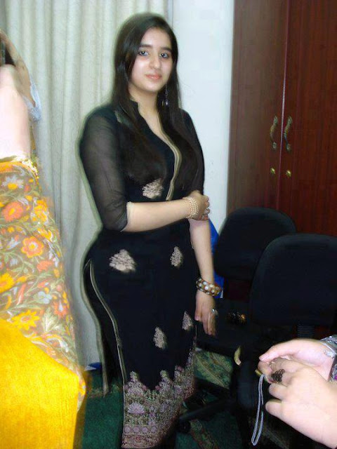 indian-girl-in-black-dress