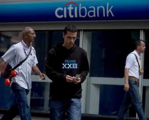 """Chavismo dice """"saboteo"""" de Citibank agudizó escasez de alimentos en Venezuela"""