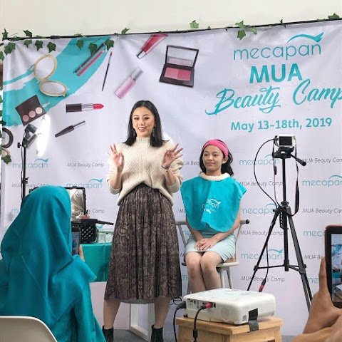 Beauty Demo with Ludovica Jessica di Mecapan MUA Beauty Camp