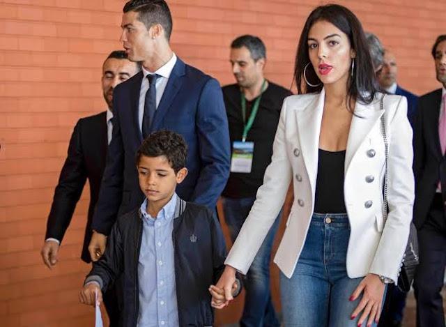 Ronaldo Dituduh Perkosa Model Cantik, Sang Kekasih Tetap Setia