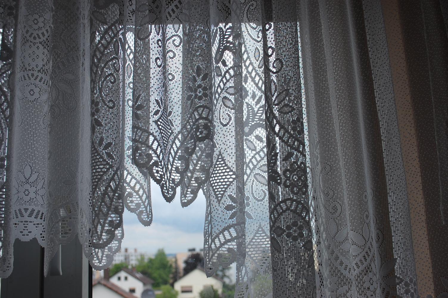 tipps und tricks f r t gliche gebrauch ratgeber wie mache ich meine gardinen wieder weiss. Black Bedroom Furniture Sets. Home Design Ideas