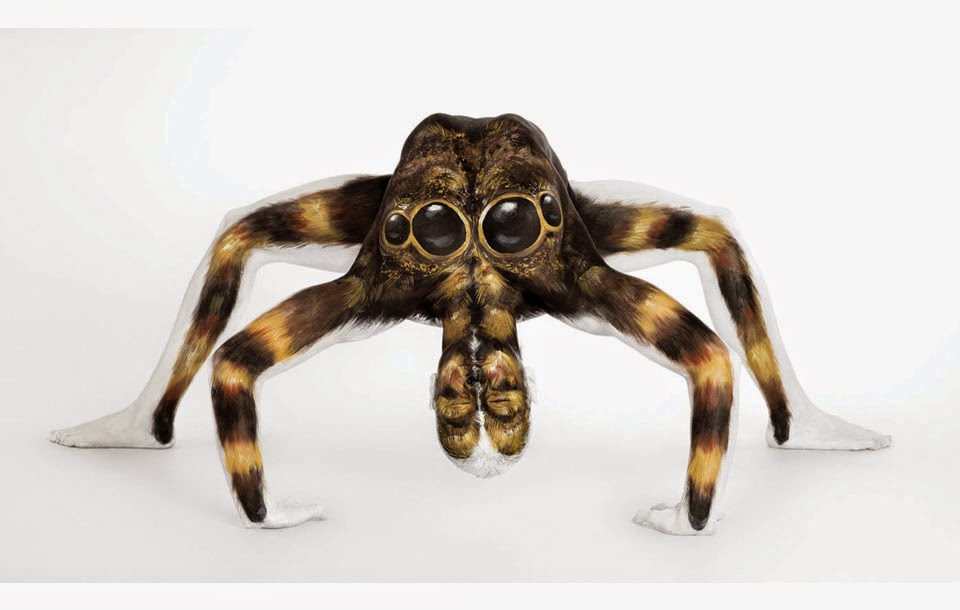 06-Tarantula-Emma-Fay-You-as-a-Canvas-in-Body-Painting-www-designstack-co