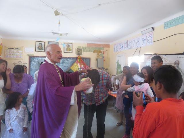 bei dieser Gelegenheit wird auch der Lehrer getauft