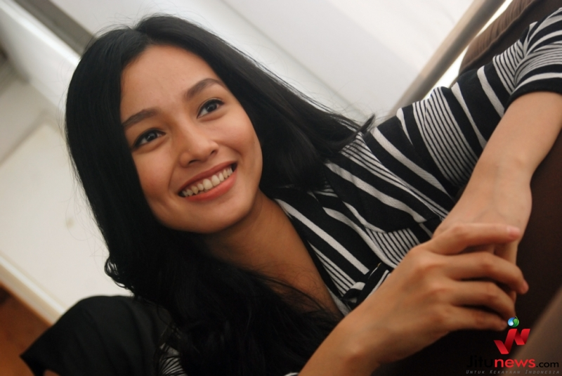 Profil dan Biodata Tya Arifin