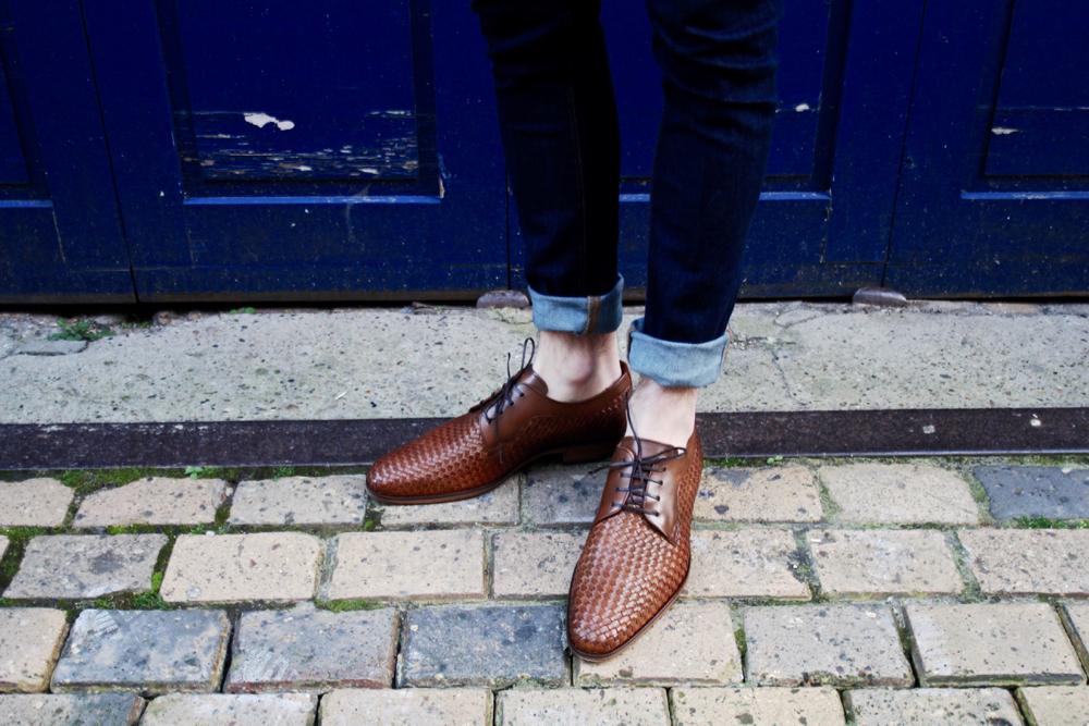 Blog_homme_mode_style-san-marina-testeur-de-shoes-job-chaussures-cuir-tressé-bonne-gueule-chemise-chambray-bleu-bordeaux-paris_dandy-preppy_campagne-cool