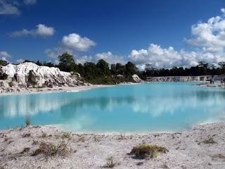 teman yang punya hobi akan photography alam Nuansa Alam Danau Kaolin Bangka Belitung