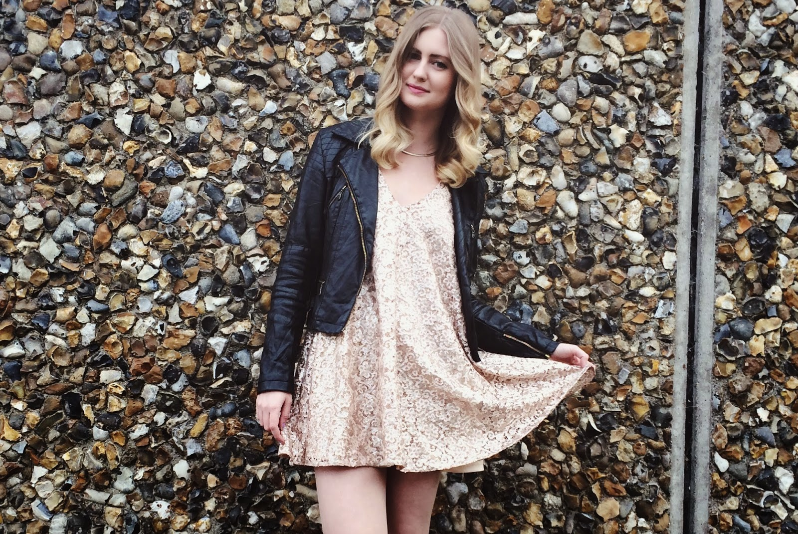 FashionFake, a UK fashion and lifestyle blog. Get ready for romantic nights and welcome spring in this gorgeous sparkly dress from Fashion Pills.