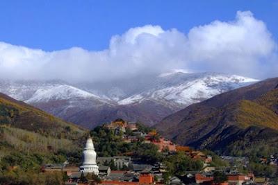 เขาอู่ไถซาน (Mount Wutai: Wutai Shan) @ www.visitourchina.com
