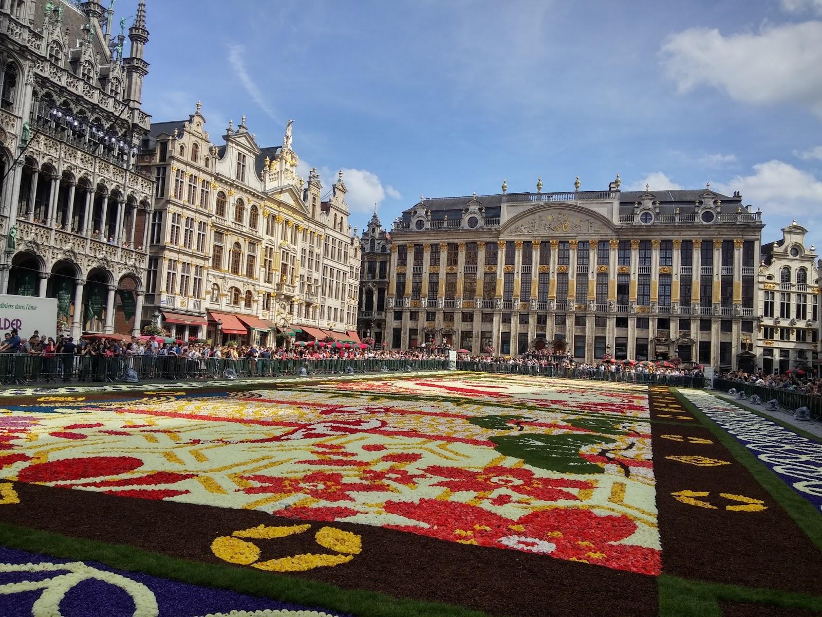 Tappeto Floreale Bruxelles : Bruxelles u la grand place in fiori dal al agosto come