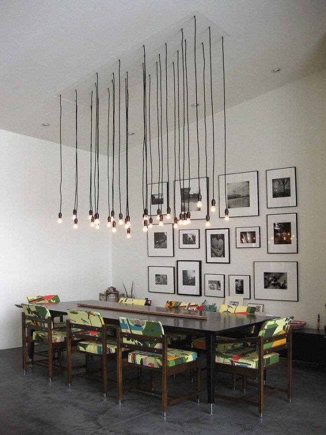 pendelleuchten esszimmer glühbirne gruppe holz esstisch | wohnidee