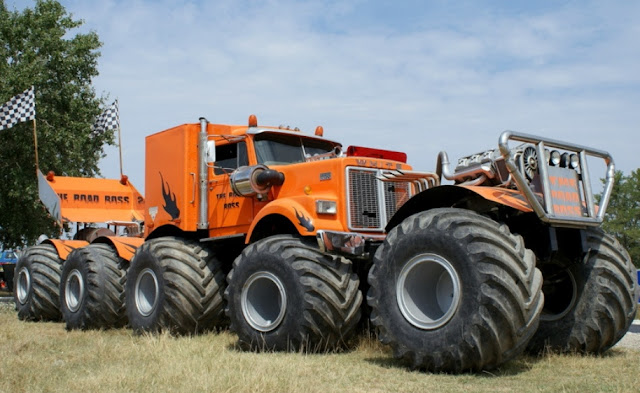 modifikasi truk ektrim dengan ban super besar