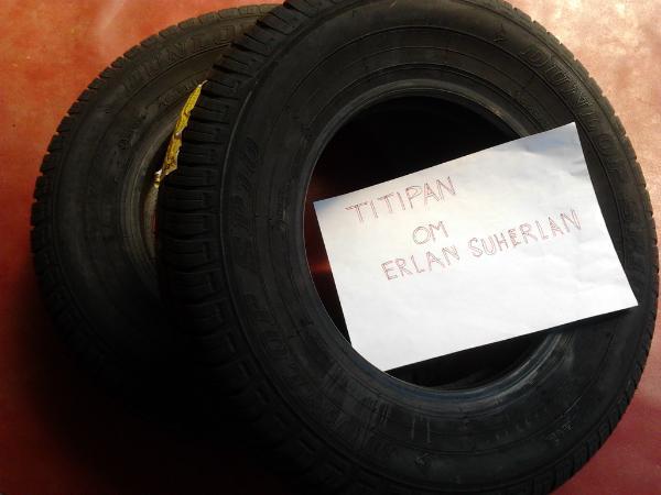 Jual Ban Mobil Dunlop R12  Oktober 2012