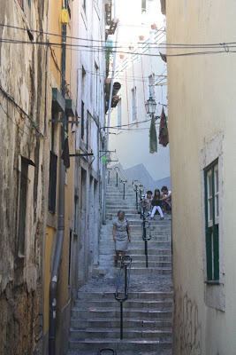 Street of the Alfama district in Lisboa