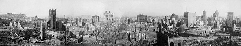 Photographie panoramique de San Francisco après le séisme de 1906