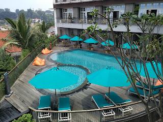 kolam renang 101 Hotel SuryaKancana Bogor