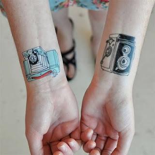 Tatuaje en pareja: cámaras de fotografía