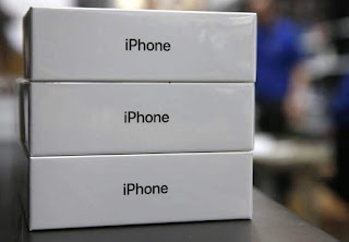 اي فون X السعر مرتفع جدا، ويقول محللون كما مبيعات جهاز أبل توقعت على بالتخبط