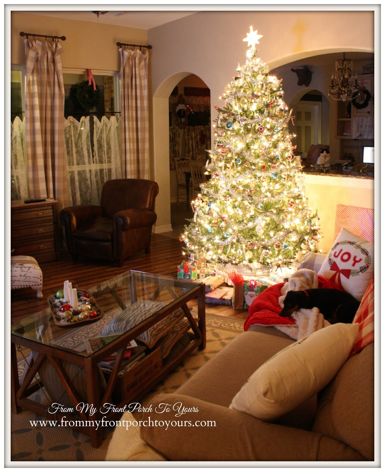 Farmhouse -Vintage-Christmas- Living Room-Lights-at night-magical- From My Front Porch To Yours