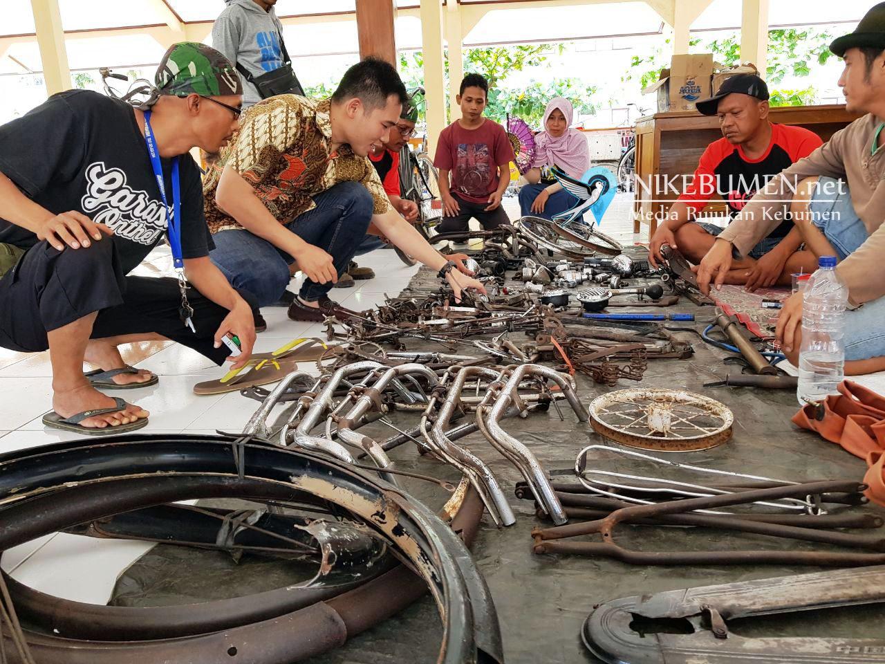 Pasar Klithikan Gowes Bareng Gubernur di Karanganyar Mulai Ramai
