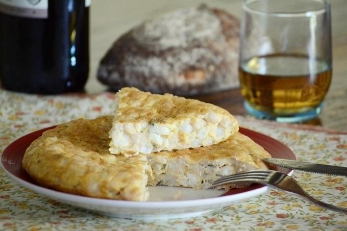 Tortilla de fesols con bacalao